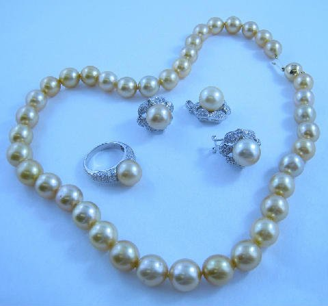 Tahitian-Gold-Pearl-Jewellery-necklace rings-earrings-diamonds-white-18ct-gold