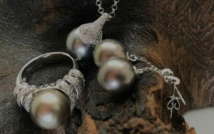 18ct White gold and diamond black pearl necklace pendant ring and earrings set