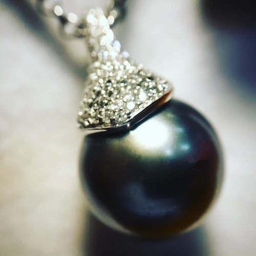 black-pearl-whitegold-pendant_500
