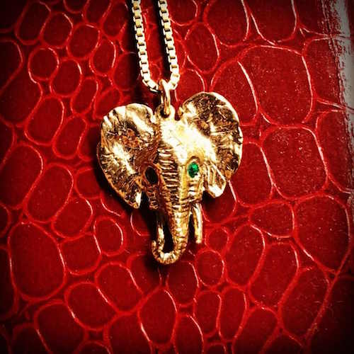 gold-elephant-emerald-jewellery_500